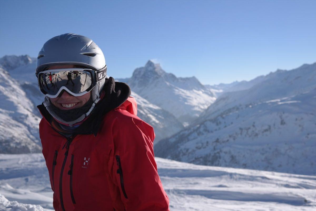 Kaski narciarskie – z szybką czy goglami? Lubaczów, powiat